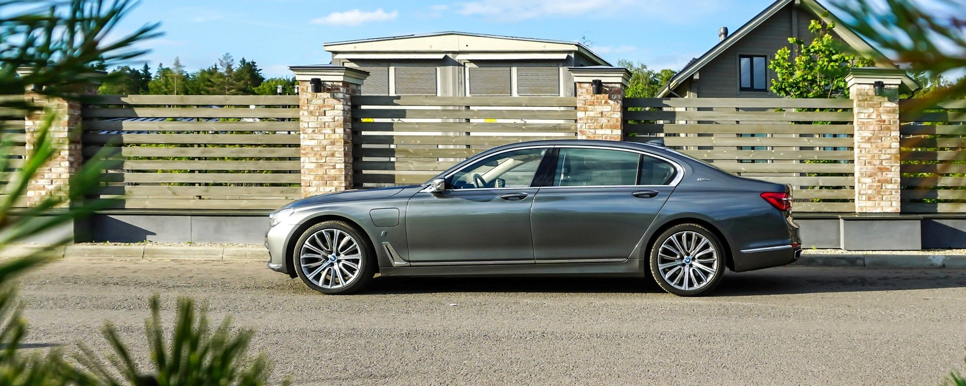 Экология и стереотипы: тест BMW 740Le xDrive iPerformance