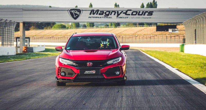 Хот-хэтч Honda Civic Type R установил рекорд для переднеприводных автомобилей